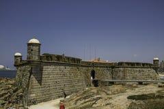 Kasteel door het overzees in Lissabon, Portugal royalty-vrije stock afbeeldingen