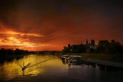 Kasteel en rivier Stock Foto