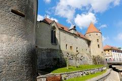 Kasteel en zijn massieve muren Royalty-vrije Stock Afbeeldingen