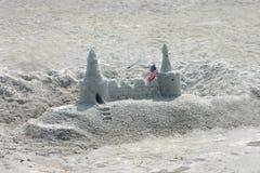 Kasteel in het zand stock foto