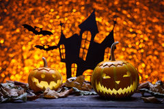 Kasteel, knuppel en pompoenen voor Halloween Stock Afbeeldingen