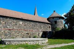 Kasteel Sà ¼ kösd-Bethlen, in 1636 als middeleeuws die gebouw wordt in Racos, Brasov wordt gevestigd verklaard die stock afbeelding