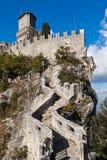 Kasteel in San Marino stock foto's