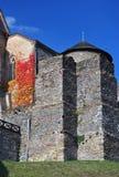 Kasteel Sternberk in de herfstzon, Tsjechische Republiek stock afbeeldingen