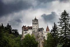 Kasteel van Dracula het Middeleeuwse Zemelen in Roemenië stock afbeeldingen