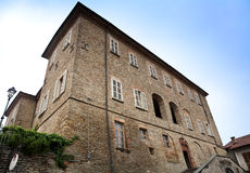 Kasteel van Marchesi Di Busca (Mango, Italië) Stock Afbeeldingen