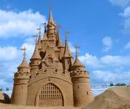 Kasteel van zand wordt gemaakt dat Royalty-vrije Stock Afbeelding