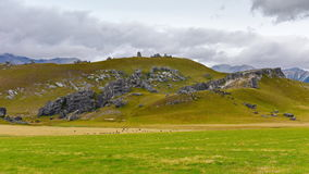 Kasteelheuvel, beroemd voor zijn reuzevormingen van de kalksteenrots in Nieuw Zeeland Stock Fotografie