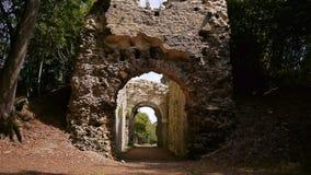 Kasteelruïne Chateau Ganne in Normandië stock videobeelden