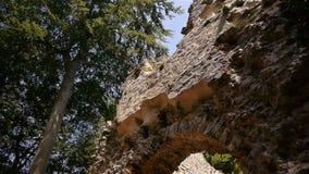 Kasteelruïne Chateau Ganne in Normandië, PAN stock videobeelden