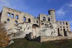 Kasteelruïnes in Ogrodziencu Royalty-vrije Stock Afbeeldingen