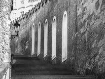Kasteeltreden die tot het Kasteel van Praag, Hracany, Praag, Tsjechische Republiek leiden Royalty-vrije Stock Foto's