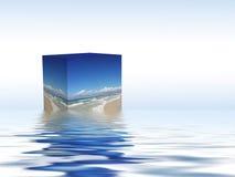 Kasten, der auf das Wasser schwimmt Stockbild