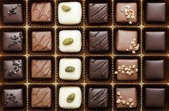 Kasten der feinsten Schokolade stockbilder