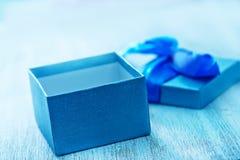 Kasten für Geschenk Stockbilder