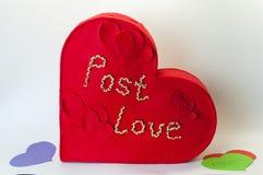 Kasten für Valentinsgrußbuchstaben Stockfotos