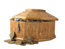 Kasten mit Münzen Lizenzfreie Stockfotos