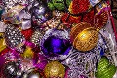 Kasten mit Weihnachtsspielwaren Lizenzfreies Stockbild