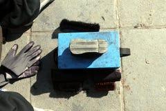 Kasten und Ausrüstung Shoecare lizenzfreie stockfotos