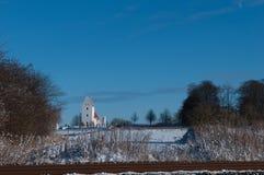 Kastrup kościół w Dani w zima krajobrazie Zdjęcia Royalty Free