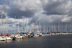 Kastrup Marina Sailboat Harbour à Copenhague, Danemark images libres de droits