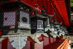 Kasuga-Taisha, heiligdom van duizend lantaarns, de prefectuur van Nara, Kansai, Japan stock afbeeldingen