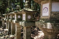 Kasuga-Taisha, heiligdom van duizend lantaarns, de prefectuur van Nara, Kansai, Japan royalty-vrije stock foto's