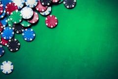 Kasyn układ scalony na hazardu stole Zdjęcia Stock