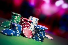 Kasyn układ scalony na hazardu stole Fotografia Royalty Free