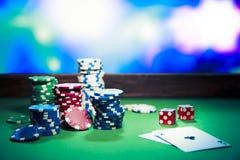 Kasyn układ scalony na hazardu stole Obraz Stock