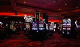 Kasynowe maszyny w rozrywka terenie obraz royalty free