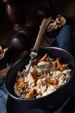 Kaszotto- połysku risotto od jęczmiennych groats z pieczarkami obraz stock