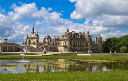 Kasztel Chantilly jest dziejowym i architektonicznym zabytkiem, Francja zdjęcie royalty free