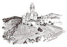 Kasztel na wzgórzu Antyczny krajobraz dla etykietki Grawerujący ręka rysujący nakreślenie w rocznika wiktoriański stylu tła torby Obraz Royalty Free