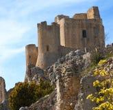 Kasztel w niebie - dama jastrzębia kasztel Rocca Calascio, Aquila, - Obraz Royalty Free