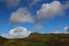 Kasztelu Szkockie ruiny na krawędzi morza fotografia stock