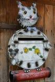 Kat en muis als creatieve postbox royalty-vrije stock foto's