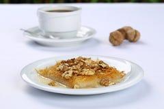 Kataifi z orzechem włoskim - Tradycyjny Turecki deser Obrazy Stock