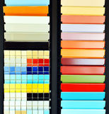 Katalog taflujący, próbki w sklepie Zdjęcie Royalty Free