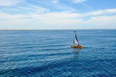 Katamaran: Fridsam Indiska oceanen Arkivbilder