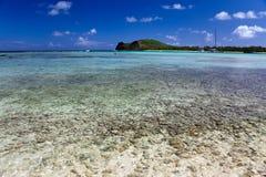 Katamaran nähern sich der Insel Gabriel.Landscape Stockfotos