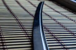 Katana japonais d'épée sur le tapis en bambou Photographie stock libre de droits