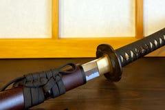 Katana nella stanza giapponese Fotografia Stock Libera da Diritti