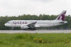 Katarskie linie lotnicze Aerobus A320 zdejmowali Zdjęcia Stock