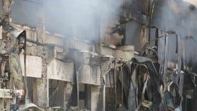 Katastrof för stor brand i ett lager stock video