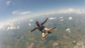 Katastrofal fallskärmshoppare som har gyckel