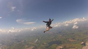 Katastrofalny parachutist ma zabawę zbiory