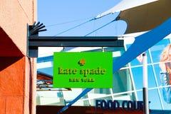 Kate Spade Logo On Store Front Sign Arkivbild
