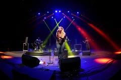 Kate Tempest (dichter, dramaticus, rapper en opnamekunstenaar) presteert bij Sonarfestival stock afbeelding