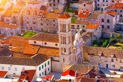 Katedra Świątobliwy Stephen, Rzymskokatolicka katedra w miasteczku Hvar, na wyspie Hvar w Dalmatia okręgu administracyjnym, Chorw fotografia royalty free
